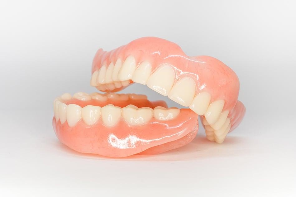 Dream of False Teeth