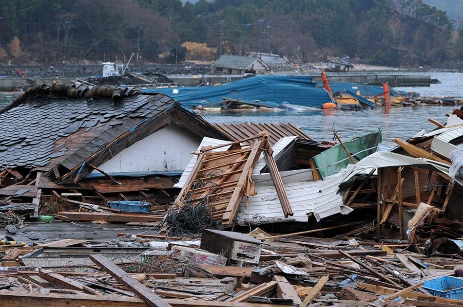 Tsunami and disaster dreams relation to trauma