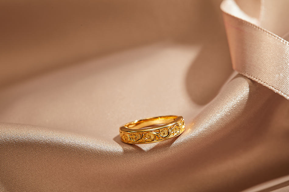 Dream of a gold ring