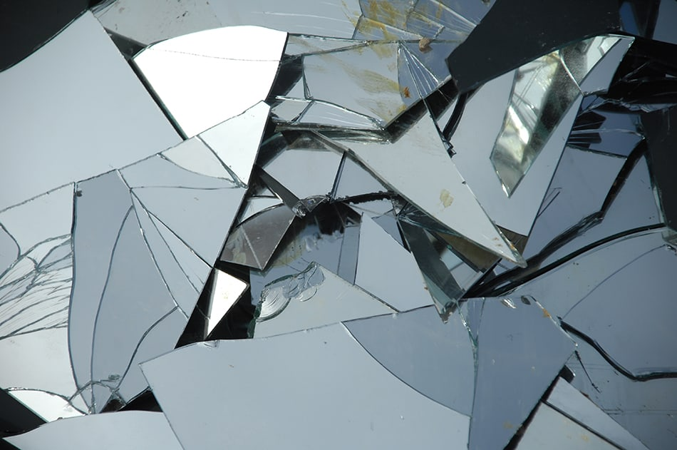 Dream of a broken mirror
