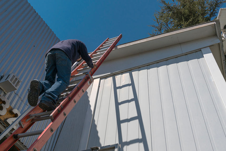 Dream of climbing up a ladder
