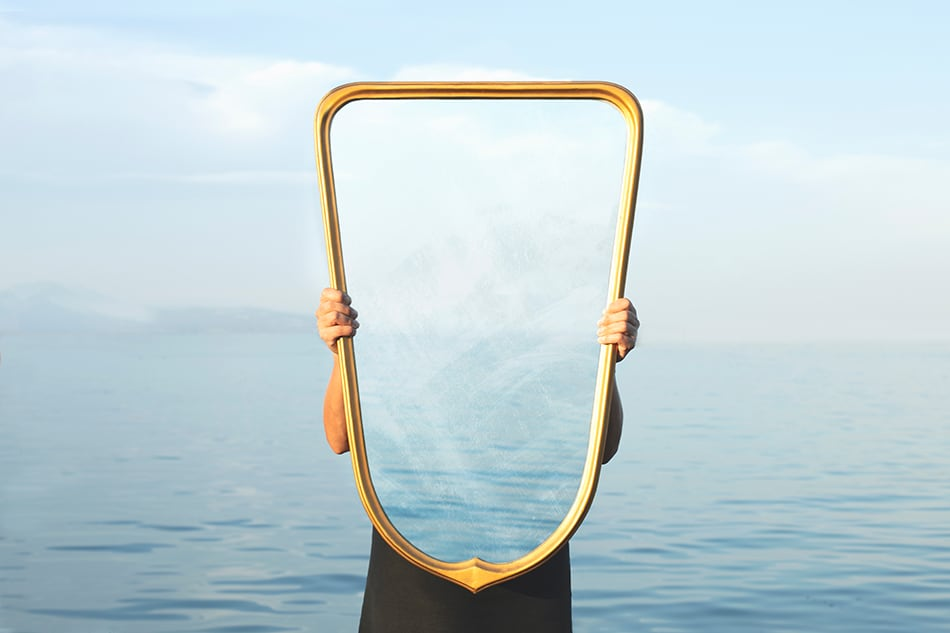 What Does It Mean to Dream of a Mirror?